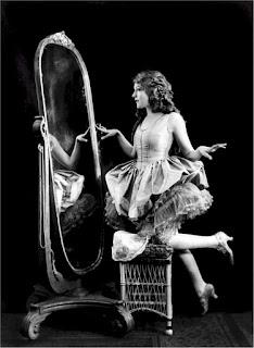¿Qué reflejo ves cuando te miras al espejo?