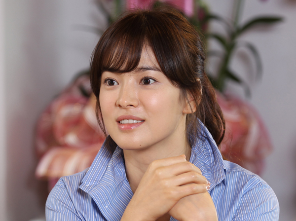 [NEWS] Song Hye Kyo tells Korea's history | Daily K Pop News