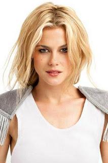 راشيل تايلور (Rachael Taylor)، ممثلة أسترالية وعارضة ازياء ومقدمة برامج