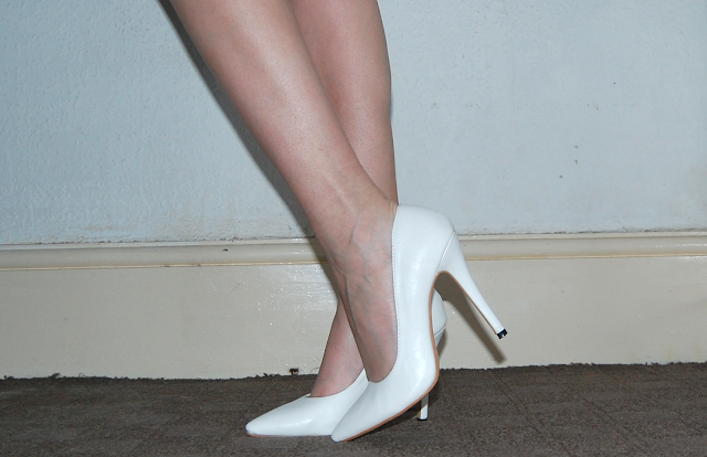 white court shoes