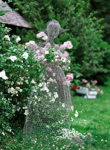 Dishfunctional designs the upcycled garden volume 1 for Chicken wire sculptures uk