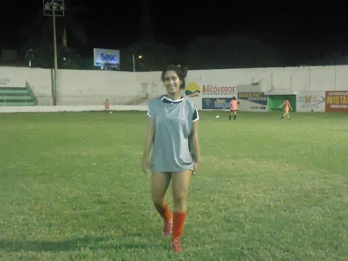 Ellen Kevlly, uma das promessas do Flamengo de Arcoverde e pretendida por dois clubes