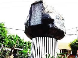 tugu watu prompong