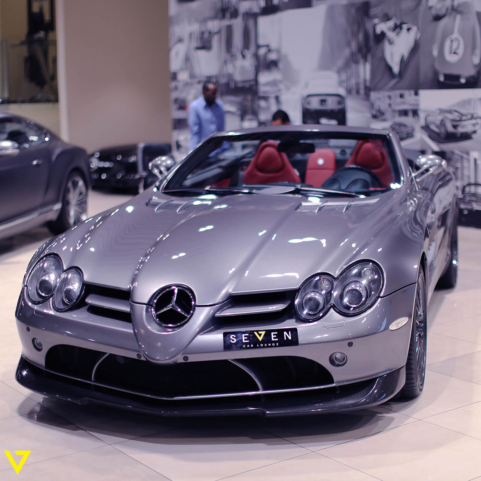 this rare mercedes slr 722 s roadster needs a new home carscoops. Black Bedroom Furniture Sets. Home Design Ideas