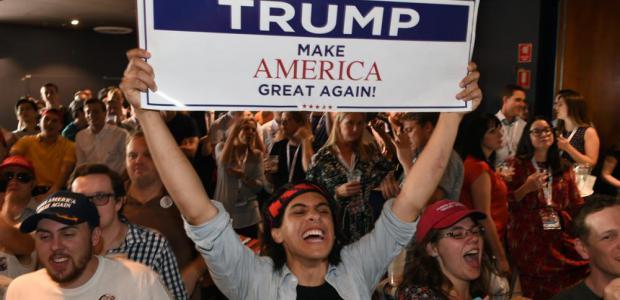 Η ανατροπή από τον Τραμπ, που «άκουσε» τον μέσο Αμερικανό
