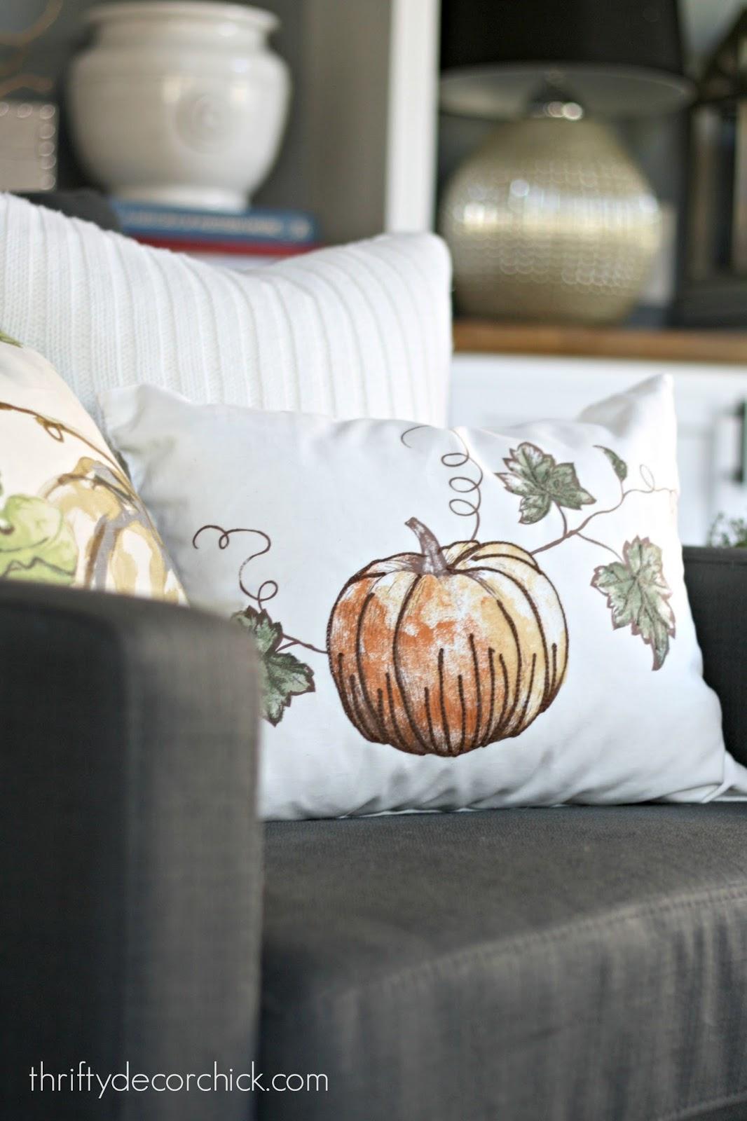 seasonal pillows using table linens