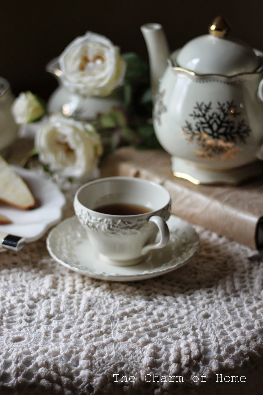 Winter White Tea, The Charm of Home