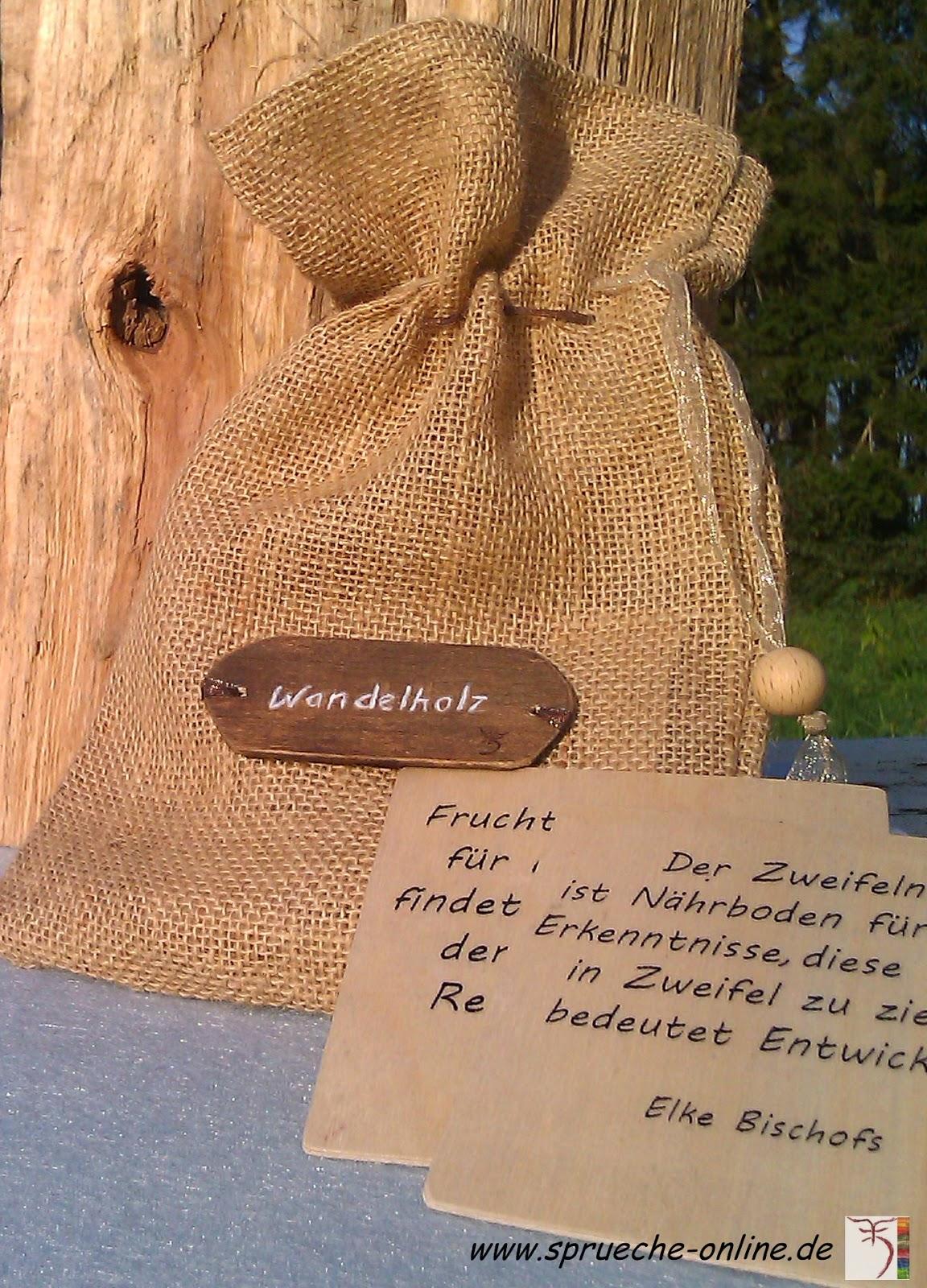 Bewegende Sprüche auf Holz