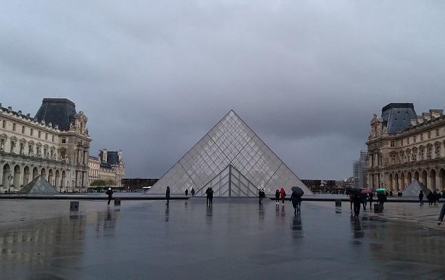 museo-louvre-piramide