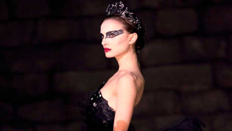 Natalie Portman dances as Nina Sayers in Black Swan.