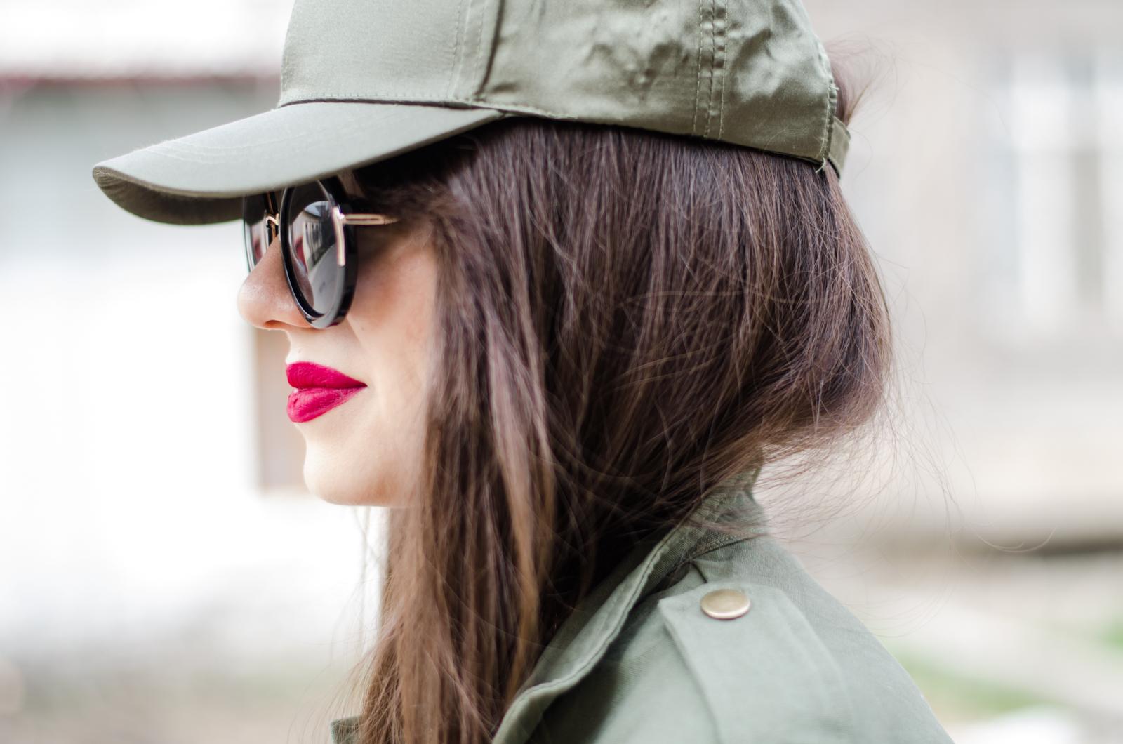 fashion blogger diyorasnotes diyora beta baseball cap asos parka sport outfit lookoftheday red lips