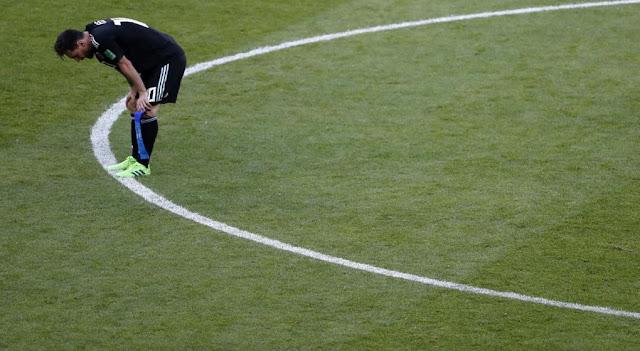 la tristeza de lionel messi - imagenes seleccion argentina de futbol