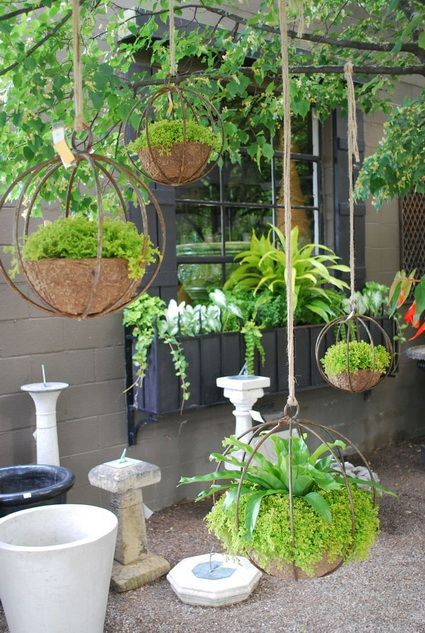 Outdoor decoration with hanging flower pots 2
