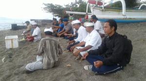 BKSDA Bali Melepaskan Tukik Penyu Hijau Di Pantai Samuh Candidasa