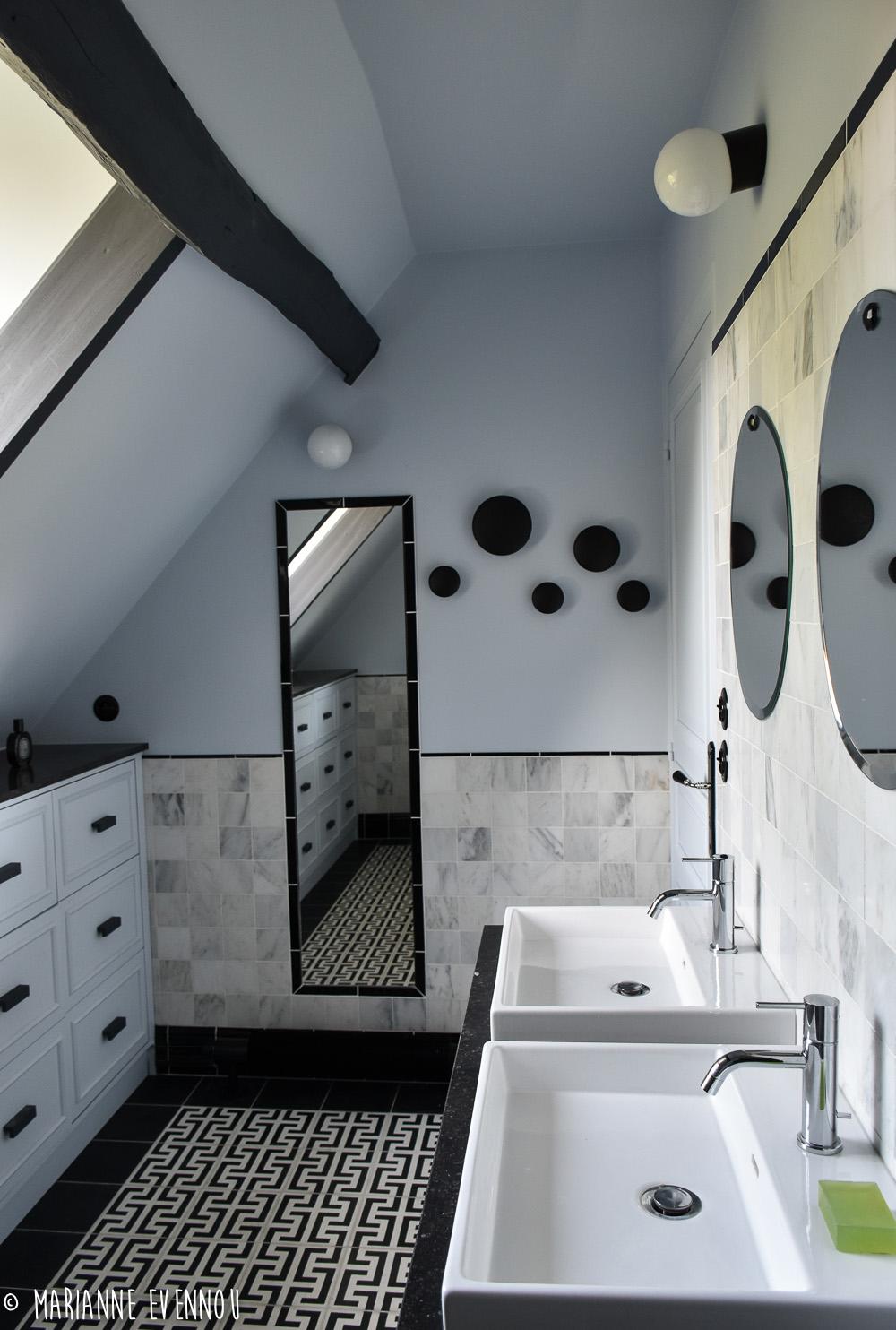 MARIANNE EVENNOU: la salle de bain de Yann et Sylvie