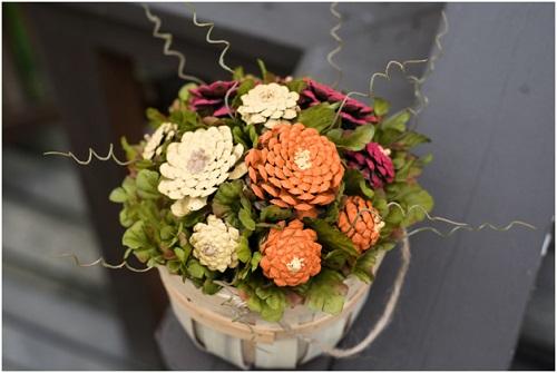 diy pinecone mums flower arrangement