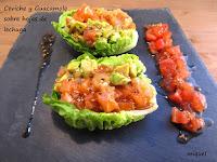 Ceviche y guacamole sobre hojas de lechuga