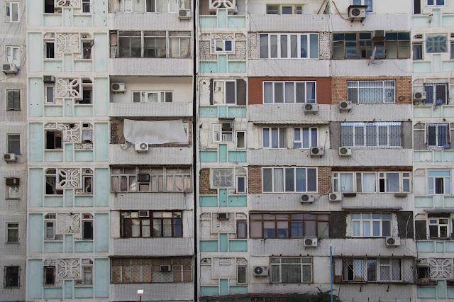 Ouzbékistan, Tachkent, façade, avenue Rachidov, © L. Gigout, 2012