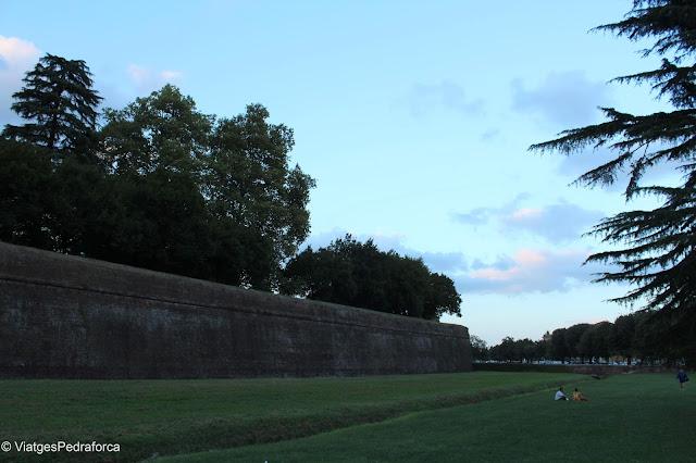 Muralles de Lucca, Toscana, Itàlia, ciutats medievals emmurallades