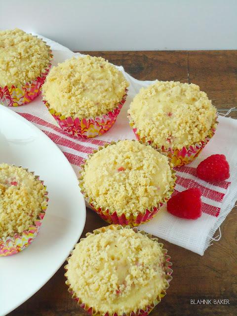 Raspberry Lemonande Muffins| www.blahnikbaker.com
