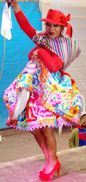 Foto de Pasionaria del Centro bailando a su estilo