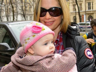 Image: Mira Sorvino welcomes 4th baby with Christopher Backus. Photo Credit: FameFlynet