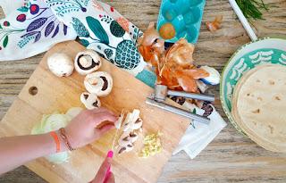 Receta: Quesadillas de cebolla caramelizada y hongos. www.soyunmix.com