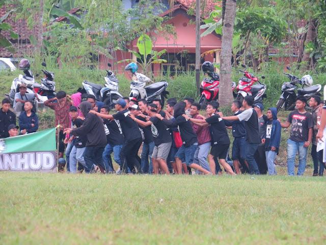 Supporter Tutwuri Handayani CUP 2017