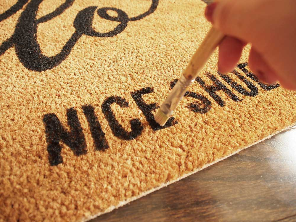 {DIY} Make Your Own Custom Doormat Without a Cricut Machine