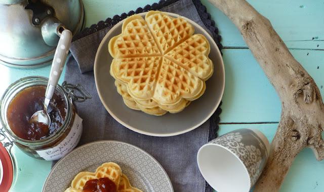 Confettura di prugne e zenzero e Waffle senza burro
