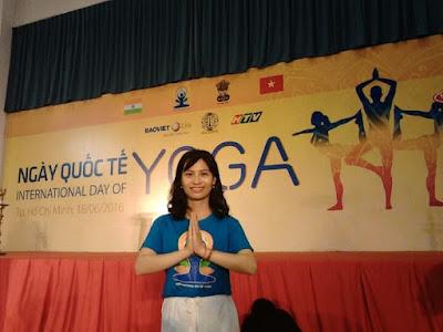 cô giáo yoga
