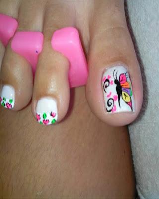 decoracion de uñas pies mariposas