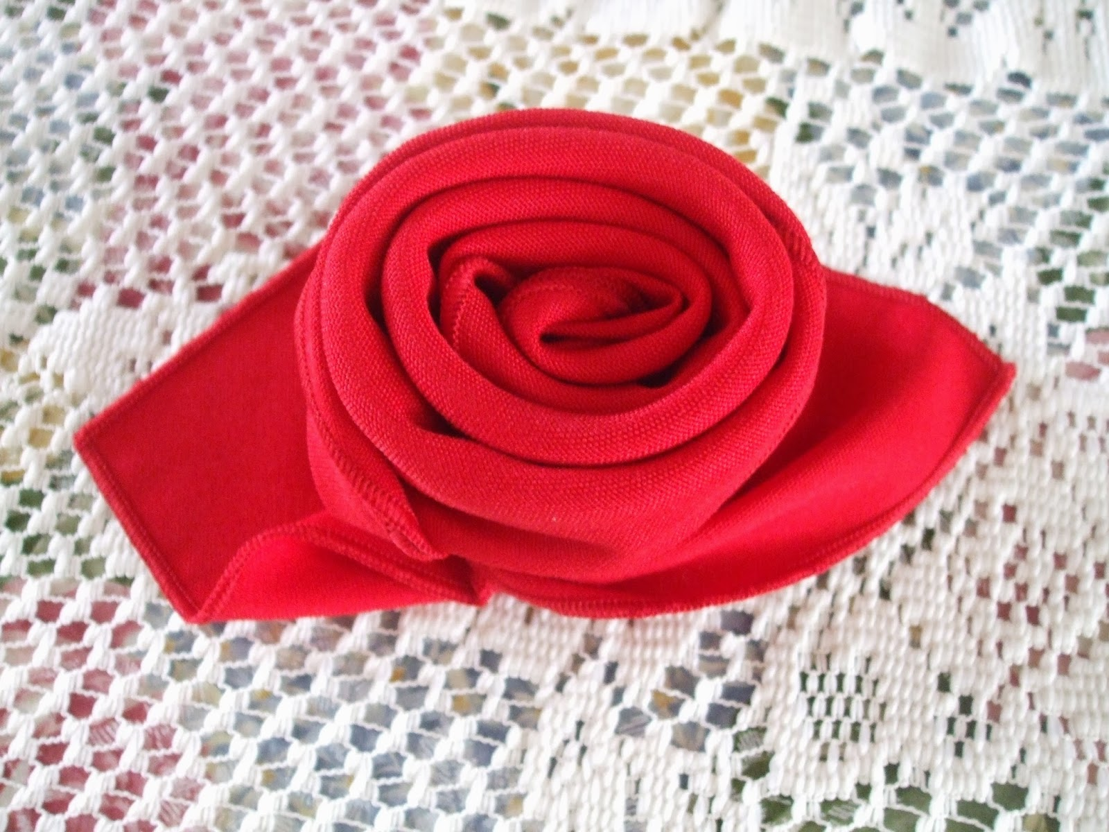 A Very Special Thank You To Betsy For Sharing This Creative Napkin Folding Technique With Me Our Valentine S Day Teas Will Be Extra Year