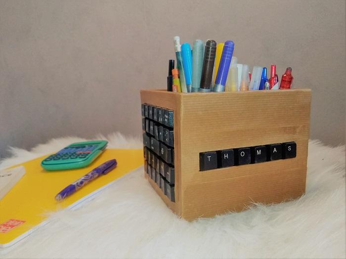 réutilisation de touches de clavier pour un pot à crayon 4
