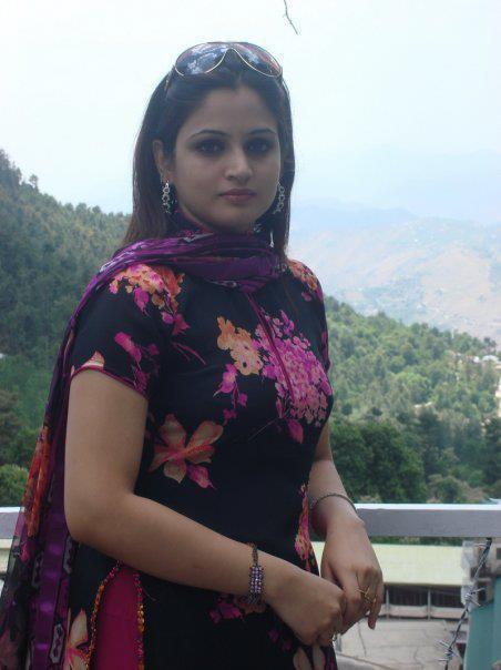 Desi Girls Pics Local Pakistani Pic-9243