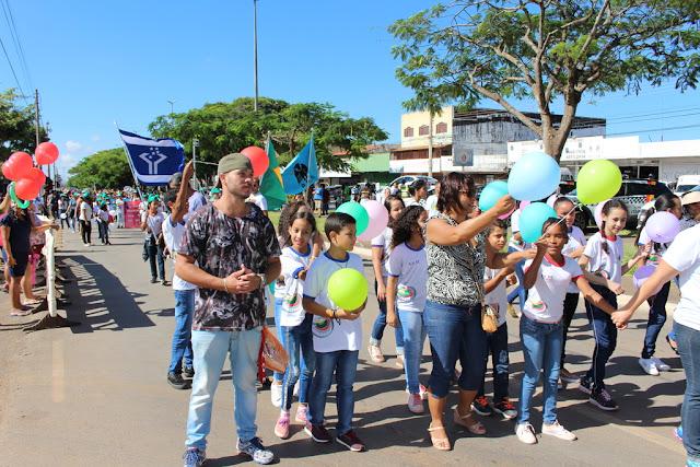Ceilandenses comemoram os 48 anos da cidade com Desfile Cívico