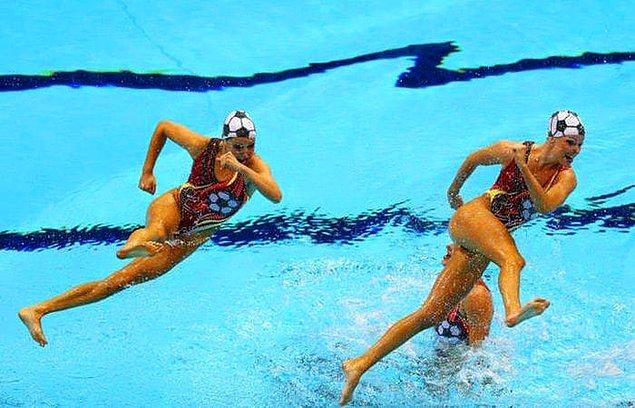 Прикольные моменты в спорте (25 фото)