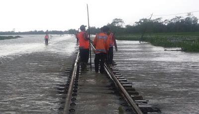 Jalur Kereta Kedunggedeh - Lemahabang sudah Kembali Dapat Dilewati Kereta