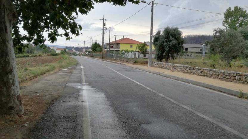 estrada Nacional ao lado da Praia