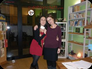 """Elena Tione con Vega Roze  presso l'associazione culturale """"Harmonia Mundi"""" in Roma, novembre 2014."""
