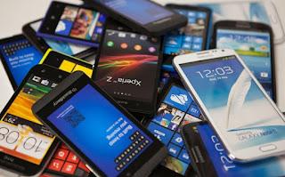 IBM le dara un uso diferente a los telefonos viejos.
