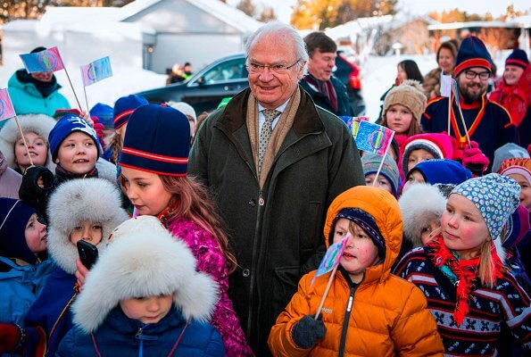 King Carl Gustaf and Queen Silvia visited Jokkmokk Fair, held in connection with the Sami National Day
