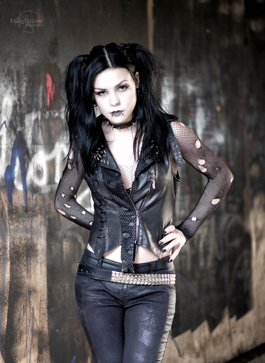 """Leather Beauty 2: """"Sheenas in a Goth Gang Now""""-Post 10"""