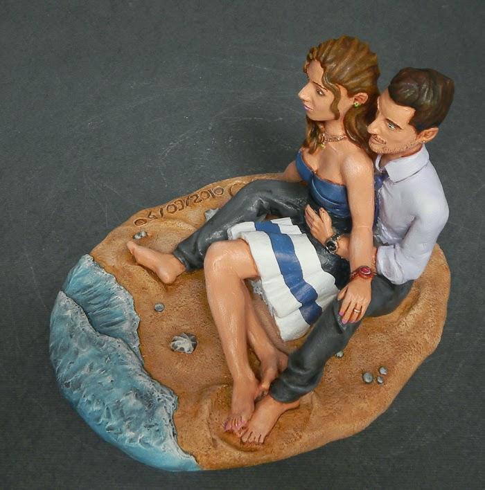 statuina personalizzata fidanzati cake topper spiaggia orme magiche