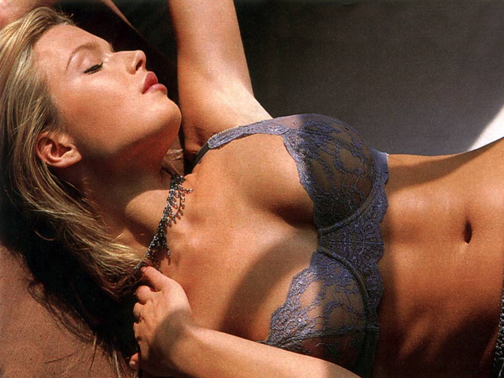 Nude Veronica 14