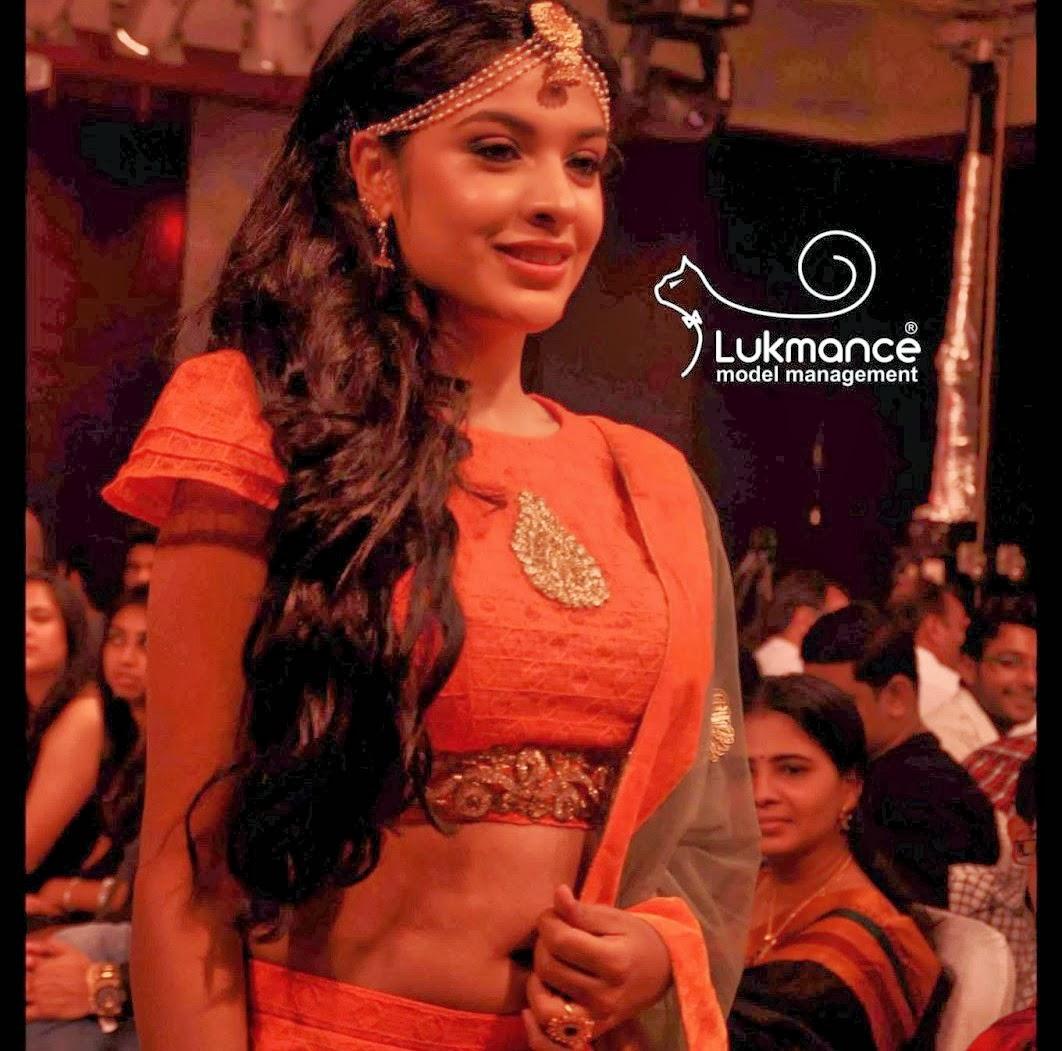 Actress Rare Collections: Archana Kavi Latest Clear Navel Show