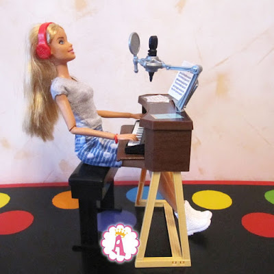 Клавиши для куклы барби с подставкой