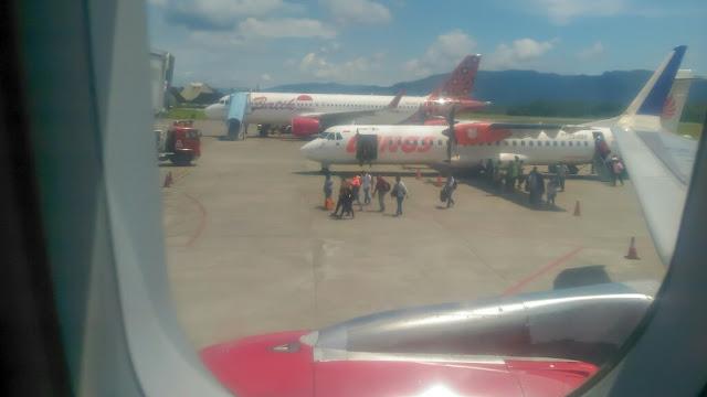 Kesibukan di bandar udara Pattimura-Ambon-Maluku