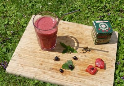 Wassermelonen-Jostabeer-Minz-Grüntee-Drink