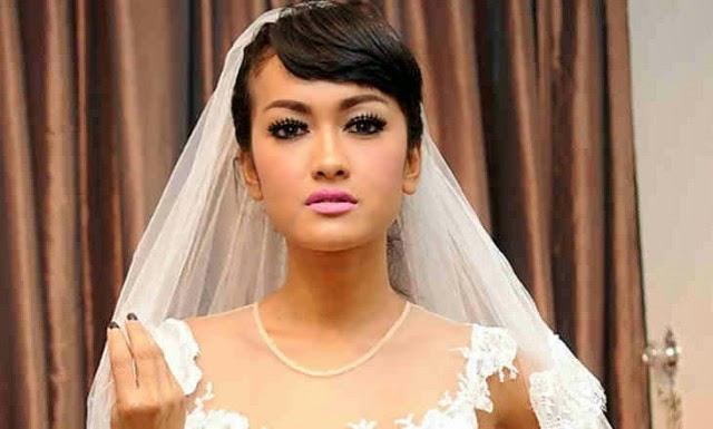 Fahrani Koleksi Foto Bugil: Julia Perez Siap Jadi Istri Baru Prabowo Subianto